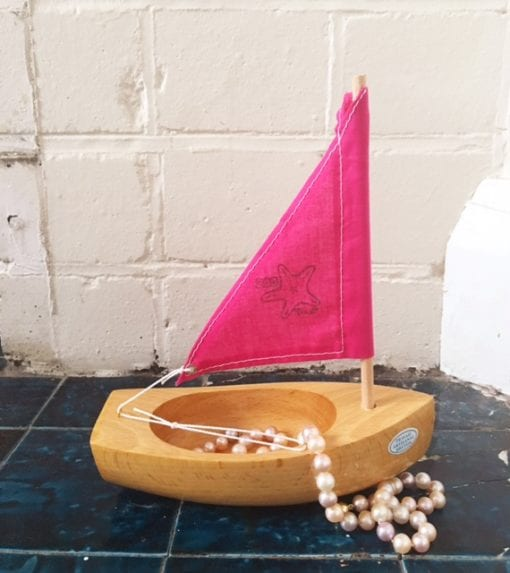 Bateaux Tirot Little Starfish wooden toy boat with pearls