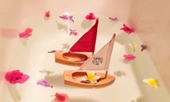 Handmade wooden boats, children's boat toy