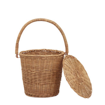 The Olli Ella Apple Basket Small is perfect as nursery decor, for storing apples and little treasures like ribbons and accessories and for little ones to take to the market.