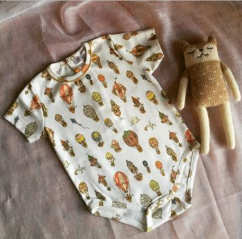 Atelier Choux Baby Onesie Classic Hot Air Balloons