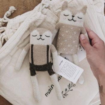 Main Sauvage Sand Teddy Knit Toy