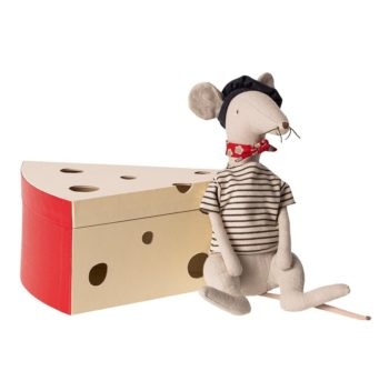 maileg rat in a cheese box
