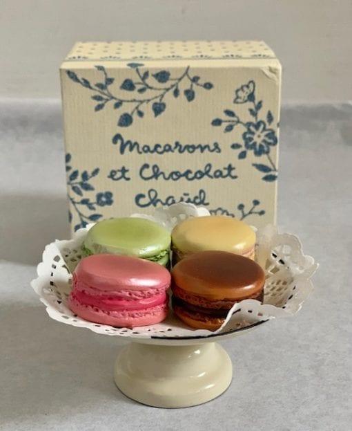 Macarons et Chocolat Chaud