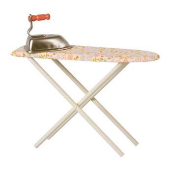 Maileg-Ironing-Board-and-Iron