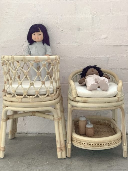 Tiny Harlow Dolls Change Table
