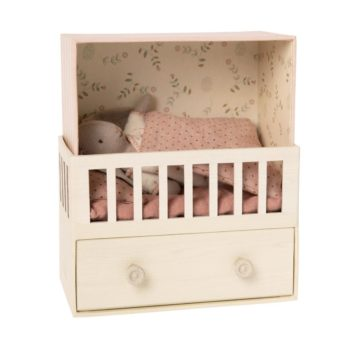 Little French Heart Baby Room with Micro Bunny 1
