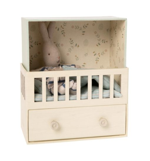 Little French Heart Baby Room with Micro Rabbit