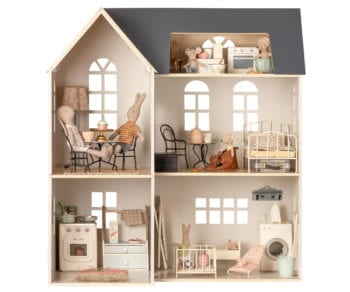 Maileg shelf in dollhouse