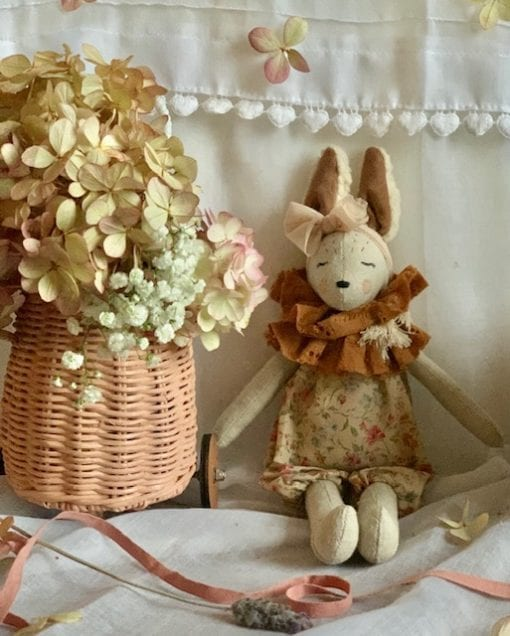 French Bunnettes in Baskets Cinammon Little French Heart