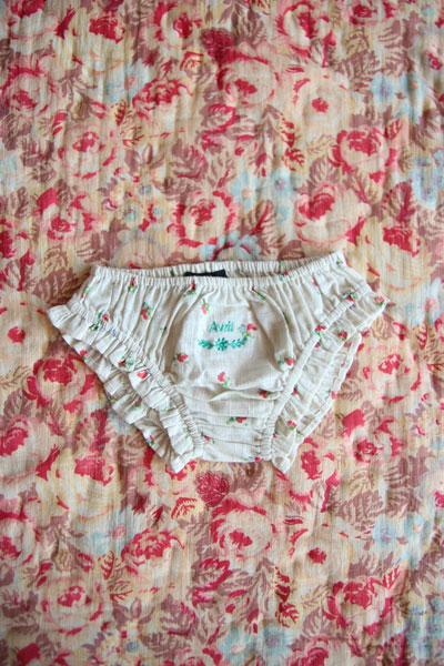 Bonjour Diary Three Little Flower Panties