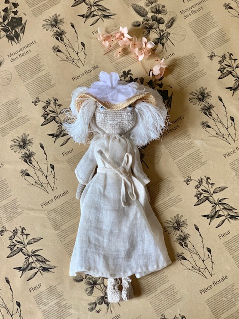 Sophie Digard Doll Mother in Sun Hat