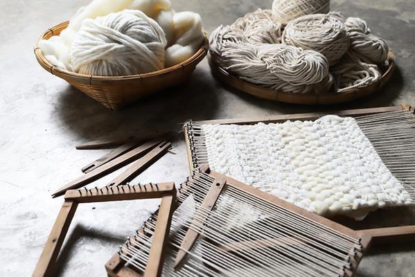 Weaving_Kit_Flow_little-French-Heart-3