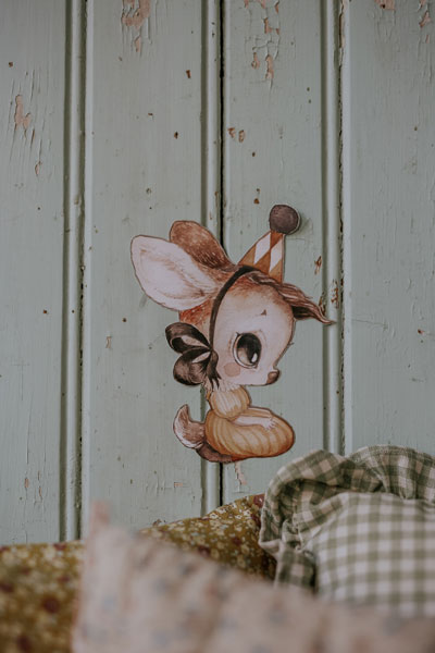 Mrs-Mighetto-Miss-Stella-Wall-Sticker-Little-French-Heart