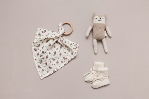 Main Sauvage Fawn Knit Toy Sand with White Patches