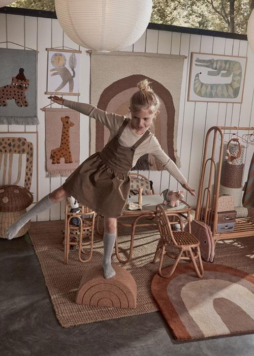 Girl in Room with Rug_Rainbow-Rug-Choko-OYOY-Living-Design-Little-French-Heart