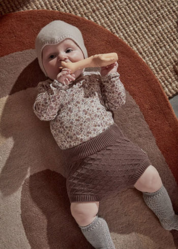 Baby on Rug_Rainbow-Rug-Choko-OYOY-Living-Design-Little-French-Heart