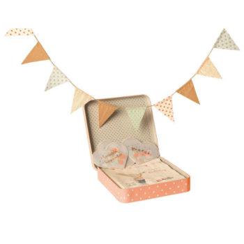 Maileg-Happy-Day-Party-Decoration-Kit-Little-French-Heart