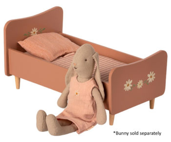 Maileg Wooden Bed Mini Rose #Littlefrenchheart with bunny