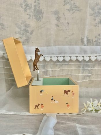 Music Box Young Horse #Littlefrenchheart
